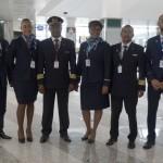 Tripulação do voo Milão - Ilha do Sal, no aeroporto de Malpensa