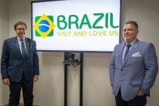 Embratur apresenta oficialmente a nova marca do Brasil no exterior