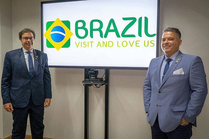 Gilson Machado Neto, presidente da Embratur, e Osvaldo Matos de Melo Júnior (direita), diretor de Marketing - Pablo Peixoto/Embratur