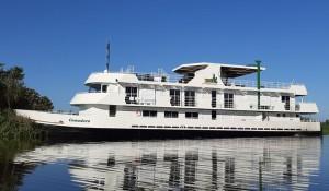 Joice Tur apresenta o Comodoro, seu novo barco para o Pantanal; veja vídeo