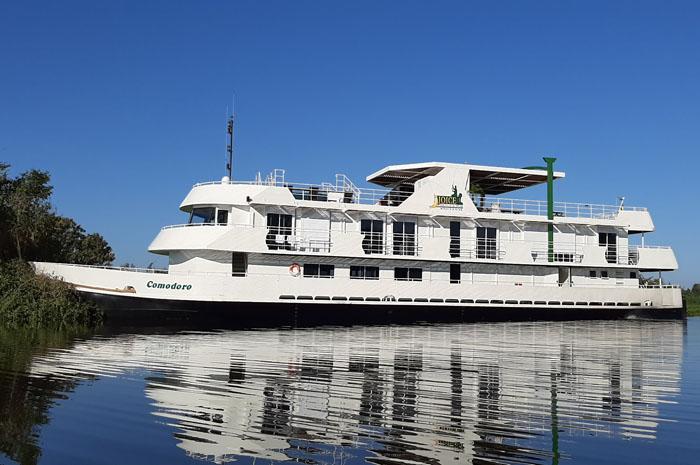 barco Comodoro