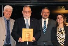 Enrique Martin-Ambrosio recebe título de cidadão recifense