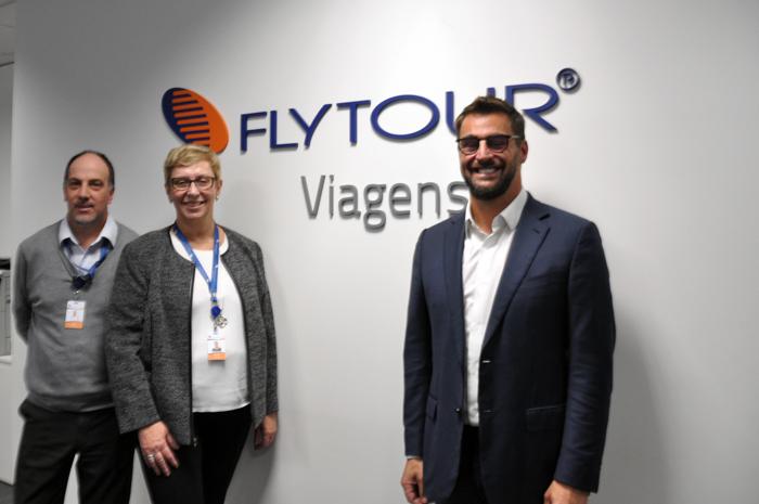 Ary Xavier, gerente de Atendimento e Vendas; Bárbara Picolo, diretora de produtos internacionais e Fábio Oliveira, diretor executivo da Flytour Viagens