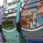 Serão 64 cabines decoradas no Disney Skyliner