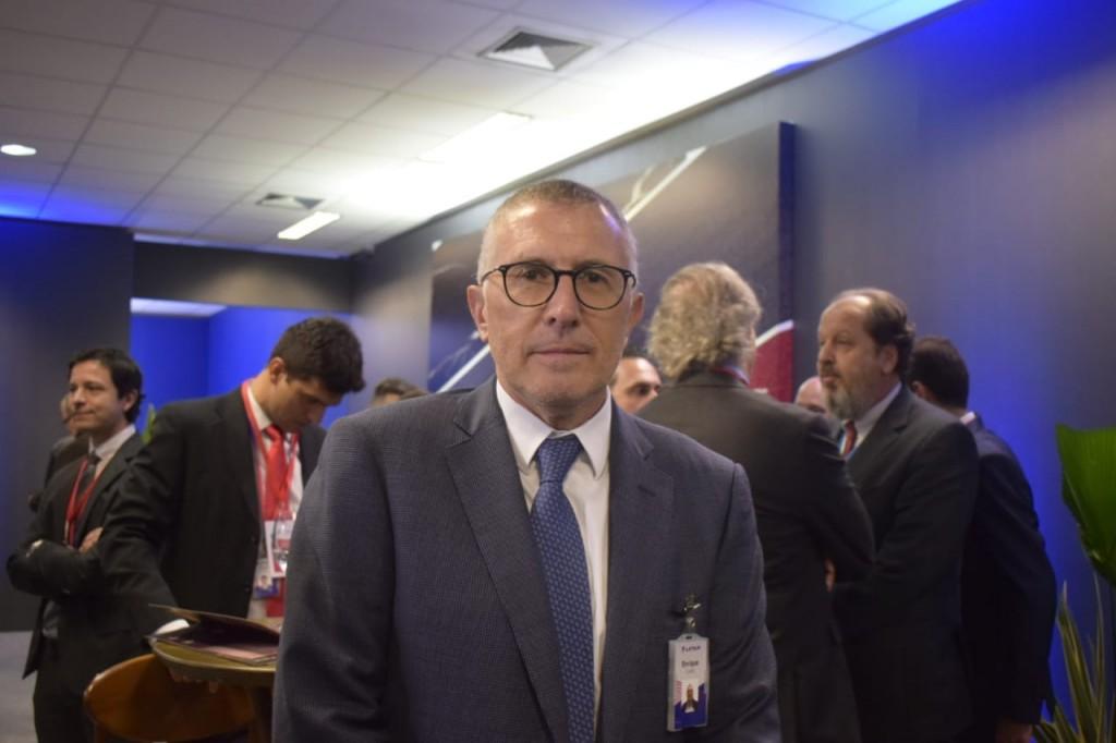 Enrique Cueto, deixa o comando após 25 anos.