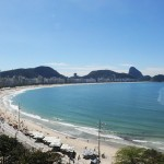 Esta é a vista de um dos apartamentos do Fairmont Rio de Janeiro Copacabana