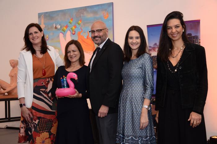 Joe Docal, diretor de Vendas, Debora Prass, Ana Maria Donato, Daniela Bergamini, e Thatiana Leal, do Miami CVC