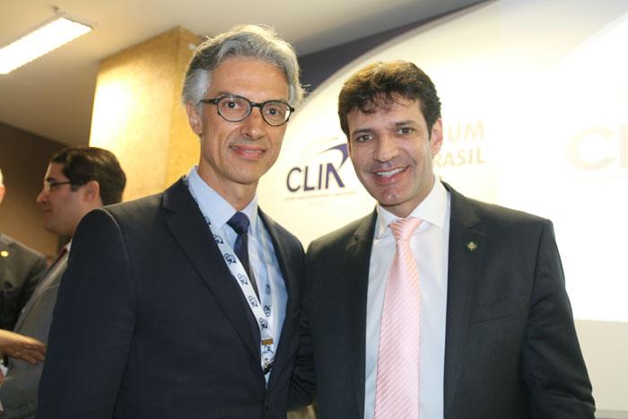 Marco Ferraz, da Clia e o ministro do Turismo, Marcelo Álvaro Antônio