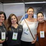 Tuca Morais e Barbara Carneiro, do Transamerica, Ingrid Azenha e Aline Gallego, da Valtur