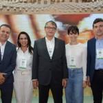Valdir Fernandes e Samara Fernandes, da Vem Também, Arialdo Pinho, secretário de Turismo do Ceará, Diana Rocha, da Setur-CE, e Alexandre Pereira, secretário de Turismo de Fortaleza
