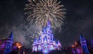 Disney anuncia fechamento de parques de Orlando e Paris e suspensão de cruzeiros