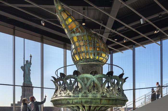 A tocha original da Estátua da Liberdade pode ser vista no State of Liberty Museum, aberto em maio deste ano (Foto: Ellis Island Foundation/Divulgação