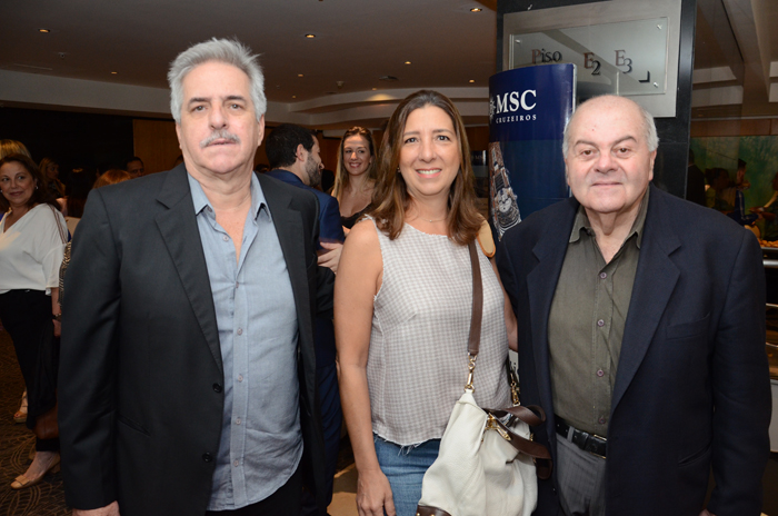 Acacio Chantre e Anna Magalhães, da Líder Corporate, e Jorge Ghachache, da Go To Bey Travel
