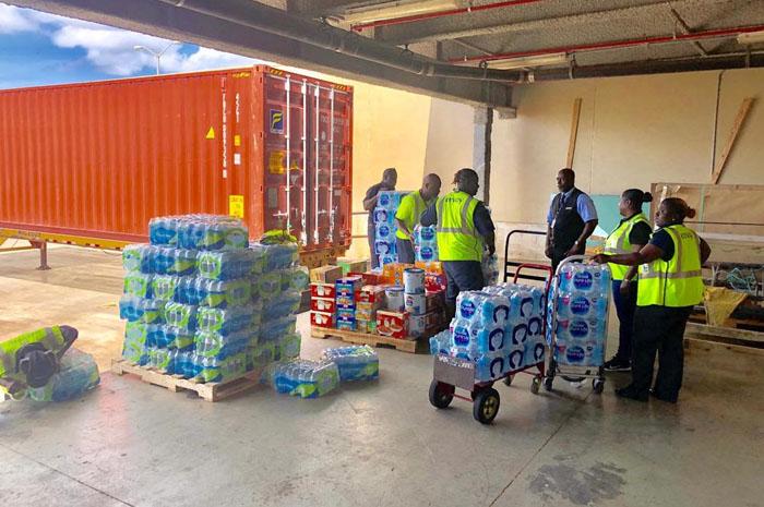 American Airlines envia suprimentos básicos para ajudar as vítimas do Furacão Dorian em Nassau, Bahamas (Foto: Divulgação)