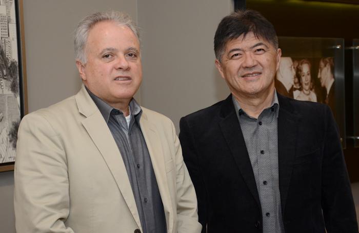 Carlos Padro, presidente do Conselho de Administração, e Tanabe, presidente executivo da Abracorp