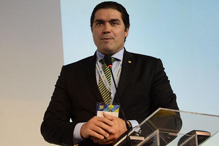 Deputado Newton Cardoso (MDB-MG), presidente da Comissão de Turismo da Câmara dos Deputados, foi o relator da MP
