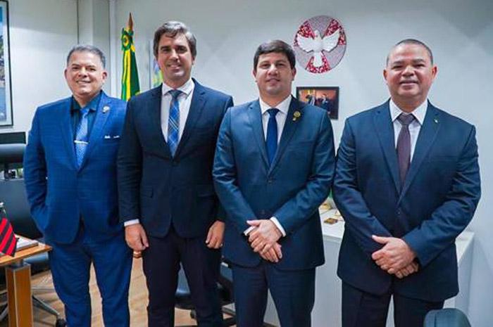 Diretor Osvaldo Matos, secretário Antonio Neves, diretor Carlos Brito, e o coordenador Marcelo Serejo, após reunião na Embratur