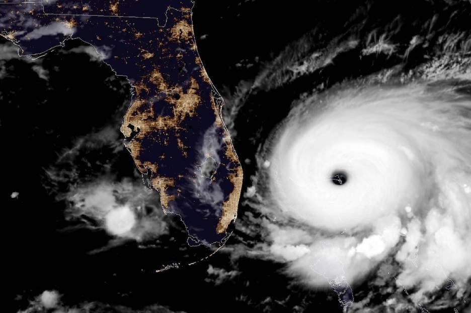 Imagem do furacão Dorian chegando à Flórida