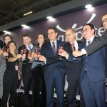 Brinde de champagne também fez parte da solenidade de abertura