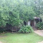 Na aréa externa da plantation é possível ver as cabanas onde viviam os escravos
