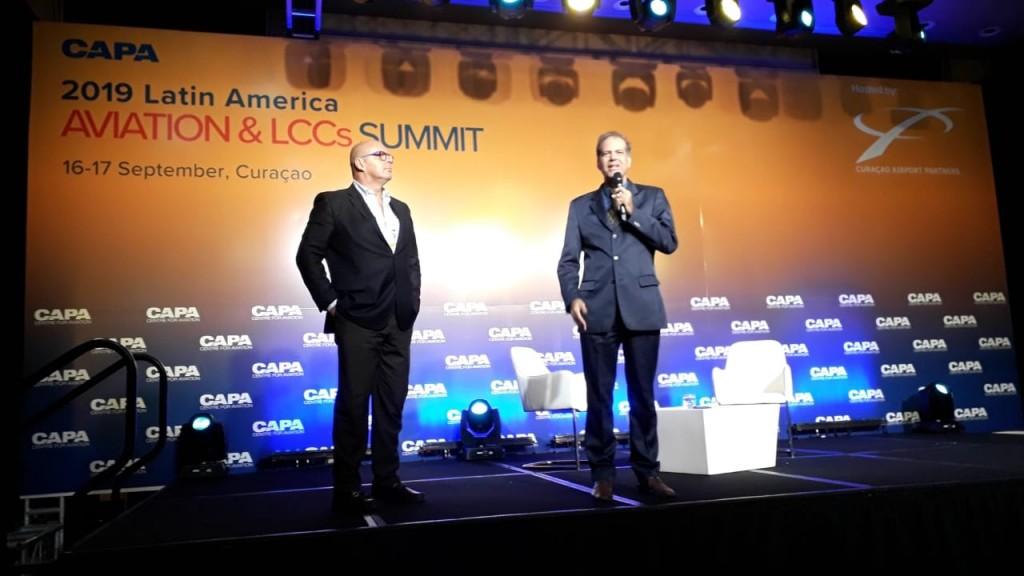 Júlio Ribas, CEO da Vinci Airports Brasil, e Antonio Barretto Junior, diretor de Turismo da Secretaria de Turismo de Salvador