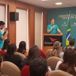 Juarez Neto, presidente do Grupo Ancoradouro, dá as boas-vindas aos agentes