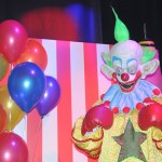Killer Klowns fazem parte do Halloween