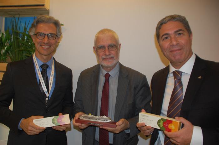 Marco Ferraz, presidente da Clia, Benjamin Liberoff, vice-ministro de Turismo do Uruguai, e Dario Rustico, presidente da Costa na América da Sul