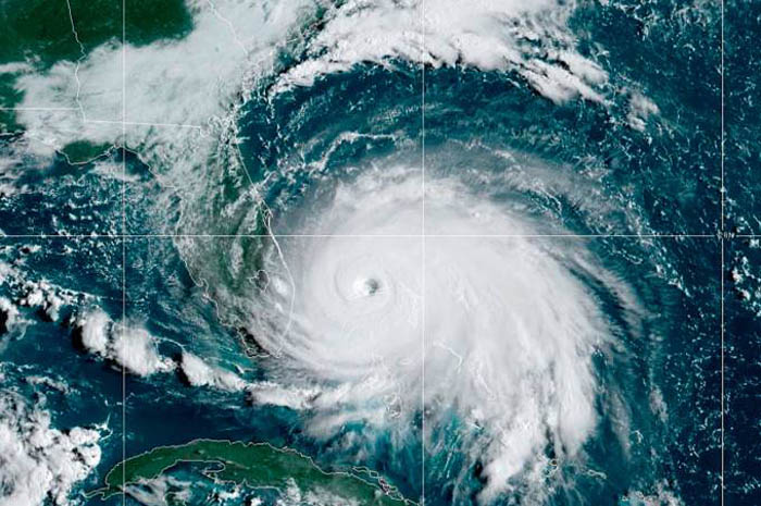 Passagem do furacão Dorian pelas Bahamas (Foto: NOAA)