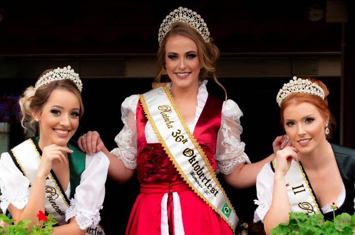 Princesas e rainhas da Oktoberfest de Blumenau irão para Munique com a Lufthansa