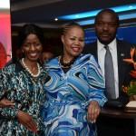Pumla Luhabe, commercial da SAA, Zuks Ramasia, CEO da SAA, e Joseph Mashimbye, Embaixador da África do Sul