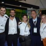 Rafael Ortiz, Fabio Oliveira, Camila Ramos, Eloi de Oliveira, e Daniela Mendes, do Grupo Flytour