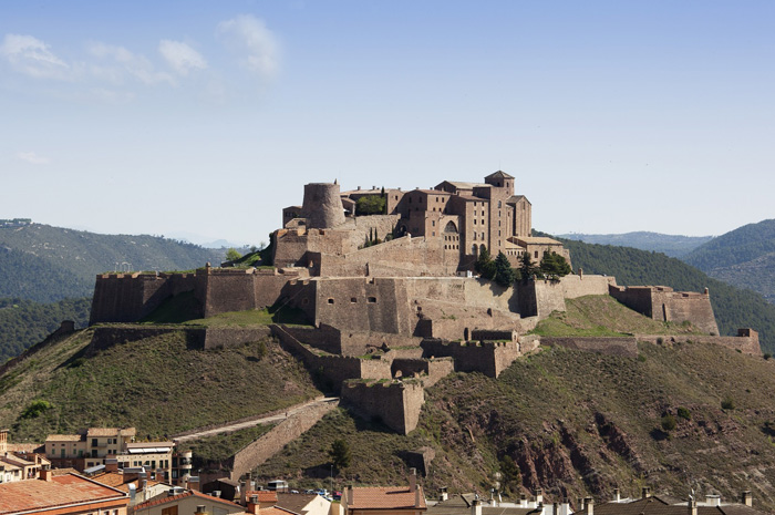 Roteiro completo pela região inclui cidade cenário de Game of Thrones