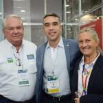 Roy Taylor e Rosa MAsgrau, do M&E, com Rafael Brito, secretário de Turismo de Alagoas