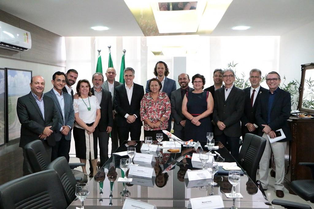 Governadorea Fatima Bezerra e secretária de Turismo, Aninha Costa, receberam o presidente da Gol, Paulo Kakinoff