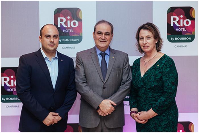 Thiago Santos, Gerente de Hospitalidade do Rio Hotel by Bourbon Campinas, Alceu Antimo Vezozzo Filho, CEO da Rede Bourbon, Annie Morrissey, diretora de Vendas & Marketing