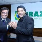 Em setembro ganhou força o programa Embaixadores do Turismo, da Embratur, com a nomeação de nomes como Ronaldinho Gaúcho, Romero Britto e a dupla Bruno e Marrone.