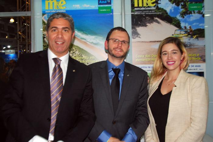 Dario Rústico, presidente Executivo Américas Central e do Sul; Ruy Ribeiro, gerente de Vendas e Marketing para o Brasil e Cintia Carlotti, gerente de Marketing Brasil da Costa Cruzeiros