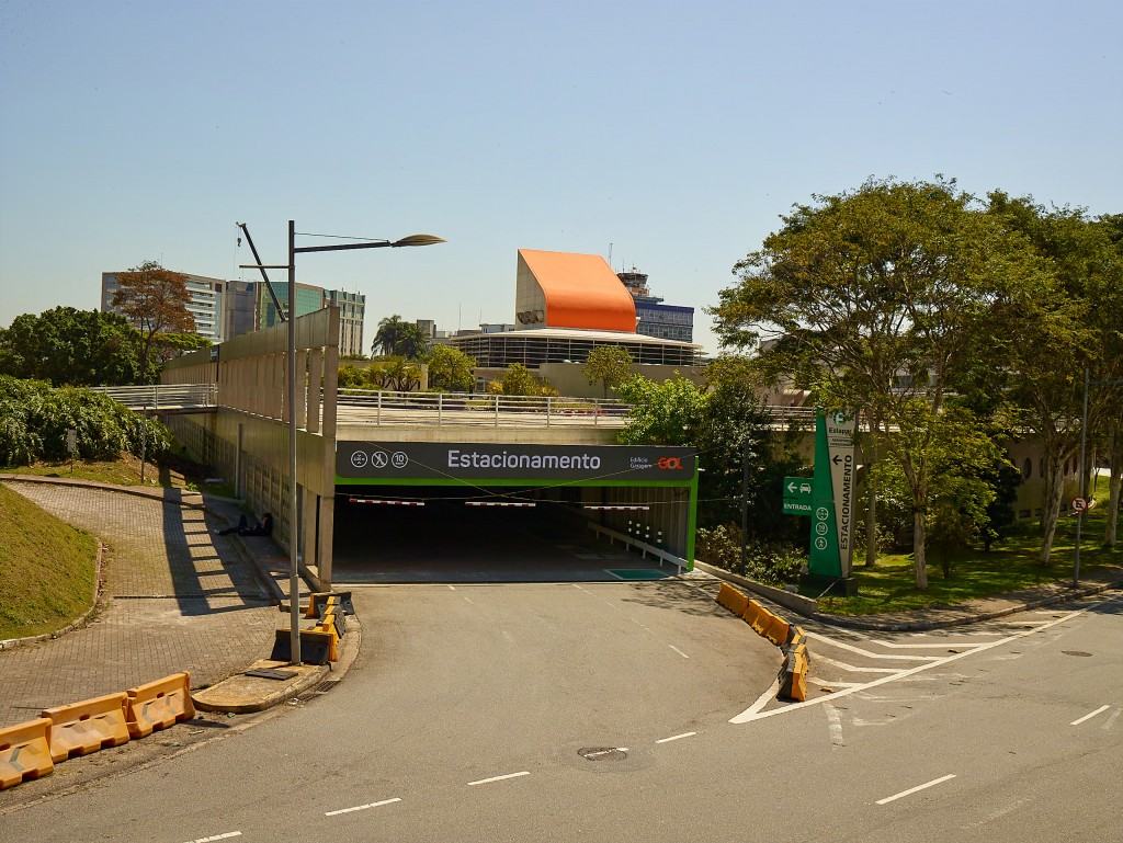 Entrada do Edifício Garagem do Aeroporto de Congonhas