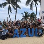 Agentes do famtour da Azul Viagens com a equipe do Hotel Ponta Verde
