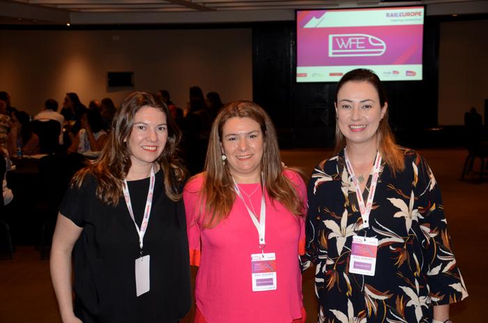 Ana Corinaldesi, María Corinaldesi e Cristiane Vento, da Rail Europe