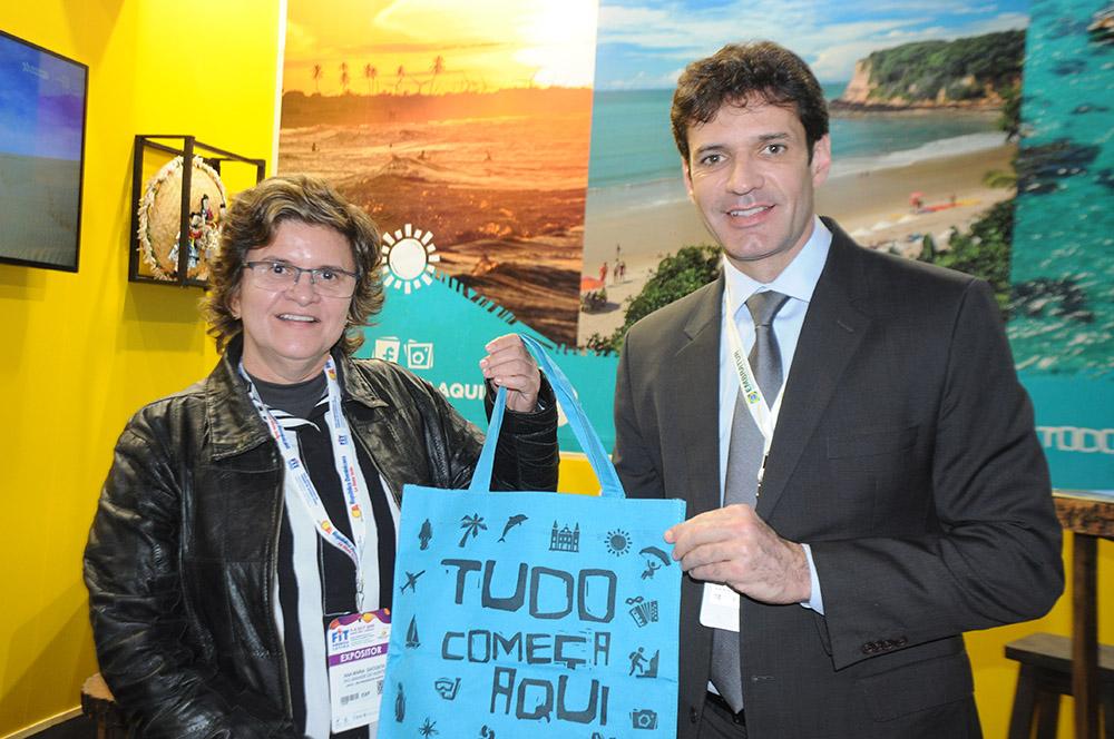 Ana Maria Costa, secretária de Turismo do RN, e Marcelo Álvaro, ministro do Turismo