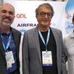 Anderson Wolff, da Gol; Arialdo Pinho, secretário de Turismo do Ceará; Paulo Lobão, da AirFrance