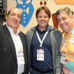 Andres Azuaga, do Ladevi, com Mario Pilar e Otaviano Maroja, de Porto de Galinhas