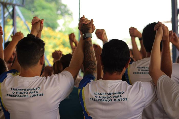 Aviva lança Hub do Bem e convoca associados para dia de voluntariado