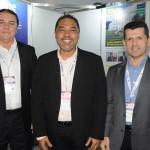 Eliseu Barros, da ABIH-CE, Claudio Junior, do JPA Travel Market, e Erick Vasconcelos, do Ceará
