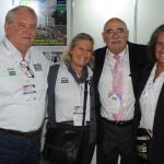 Enrique Pepino, da FIT, com Roy Taylor, Rosa e Mari Masgrau, do M&E