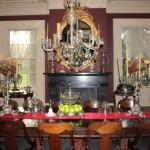 No tour pelos cômodos da mansão, encontramos diversos artefatos curiosos, como por exemplo um relógio que já pertenceu a Maria Antonieta e Napoleão