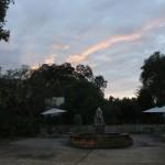 O Houmas possui uma enorme área externa com deslumbrantes jardins