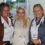 Laura Gutierrez, de Kissimmee, com Mari e Rosa Masgrau, do M&E